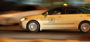 Featured Transportation  Dubai-taxi-7-e1299656861288-300x140 Motorists told not to use sirens